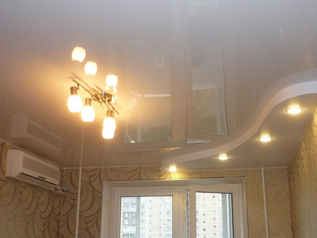Белый глянцевый натяжной потолок от производителя Ремонтофф. Натяжные потолки в Анапе под ключ.