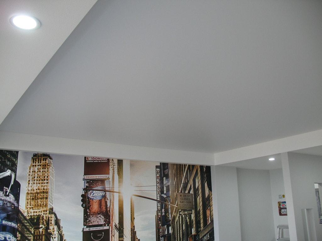 Матовые натяжные потолки от производителя Ремонтофф. Натяжные потолки в Анапе под ключ.
