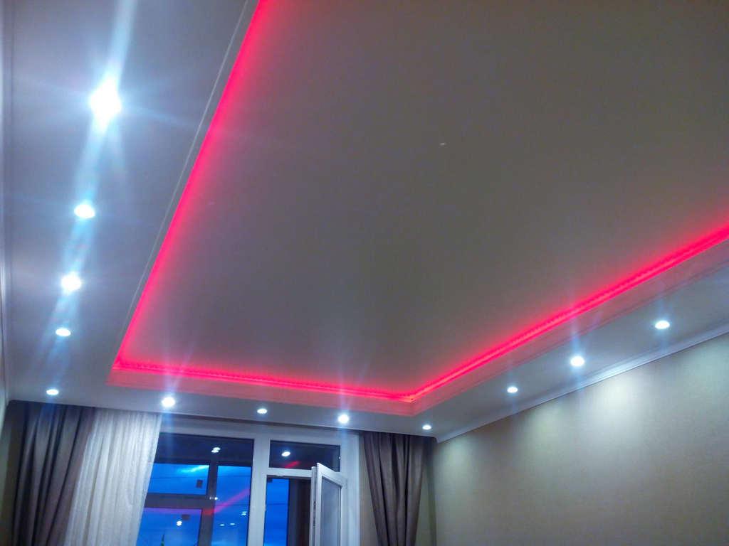 Потолки с подсветкой от производителя Ремонтофф. Натяжные потолки в Анапе под ключ.
