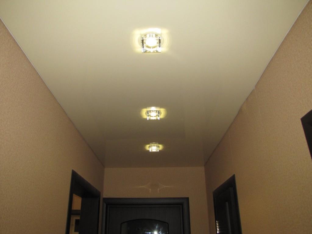 Натяжные потолки в прихожей фото, компания Ремонтофф. Натяжные потолки в Анапе под ключ.