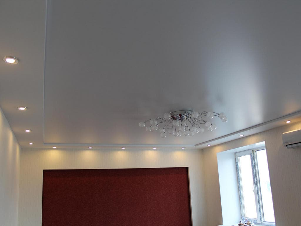 Натяжной потолок сатин от производителя Ремонтофф. Натяжные потолки в Анапе под ключ.