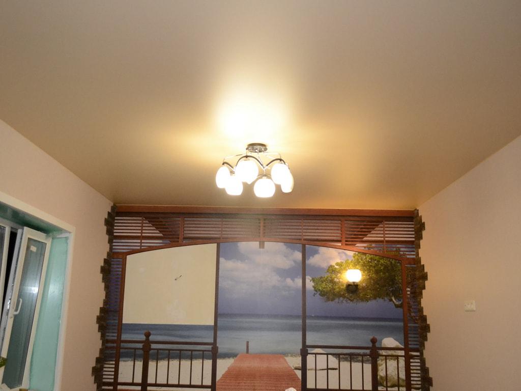 Сатиновые натяжные потолки от производителя Ремонтофф. Натяжные потолки в Анапе под ключ.
