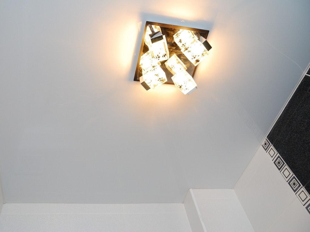 Сатиновый натяжной потолок фото Ремонтофф. Натяжные потолки в Анапе под ключ.