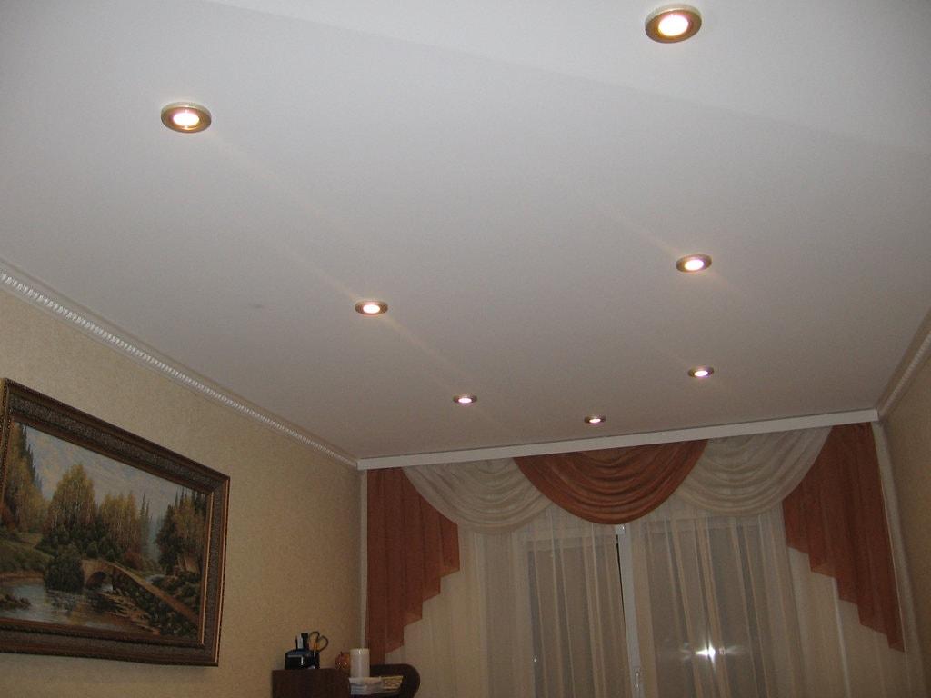 Тканевые натяжные потолки фото Ремонтофф. Натяжные потолки в Анапе под ключ.