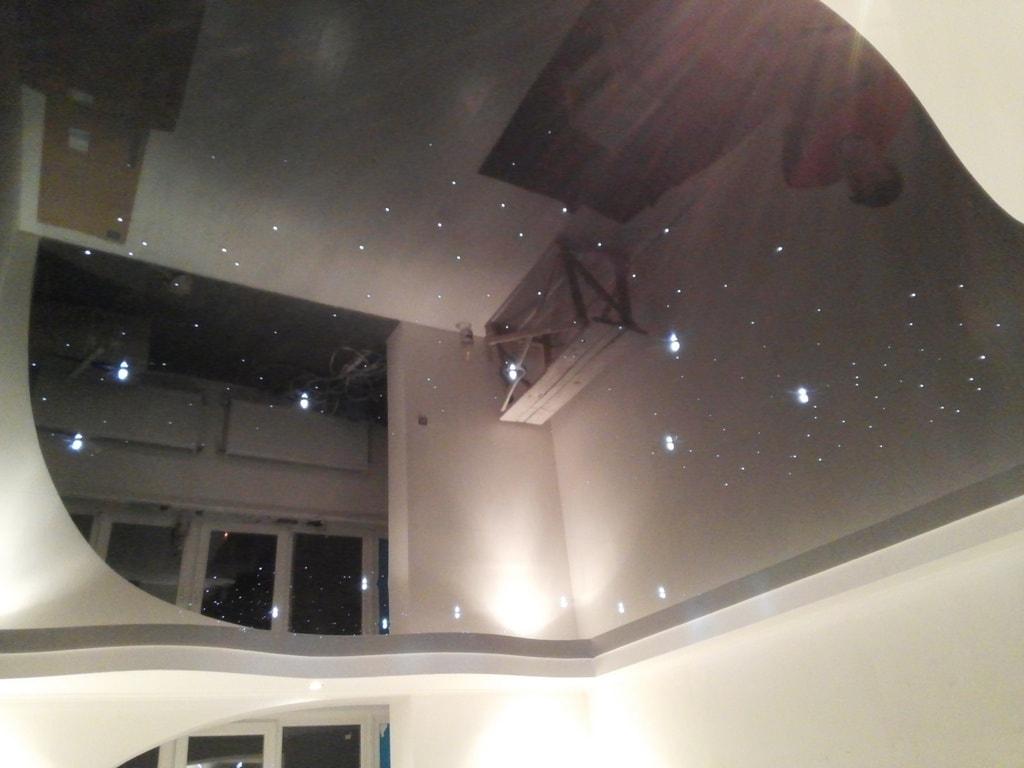 Звездный потолок фото от производителя Ремонтофф. Натяжные потолки в Анапе под ключ.
